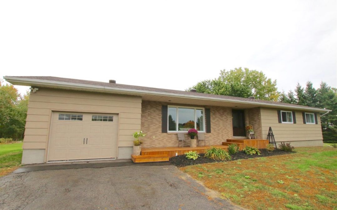1247 Wade Road, Russell